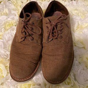 Toms men's shoes size 8.5